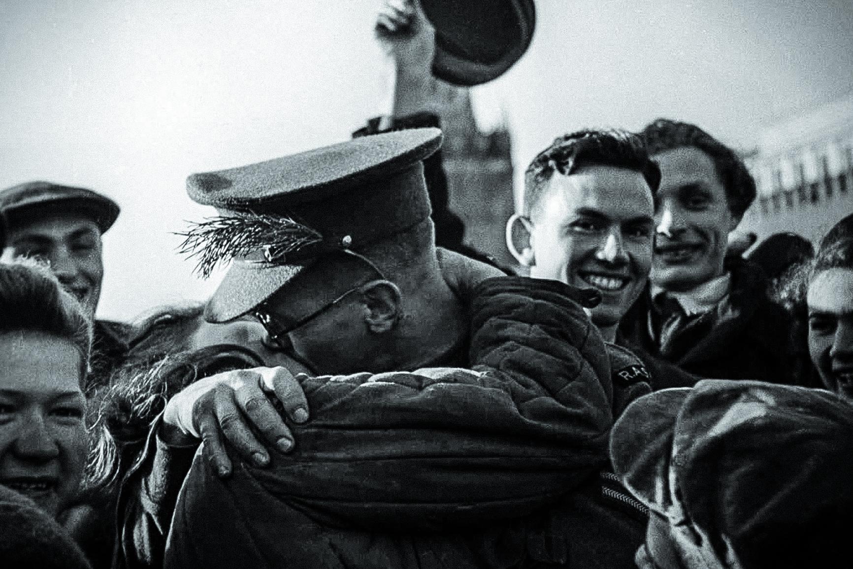 Днем, фото день победы 9 мая 1945 года